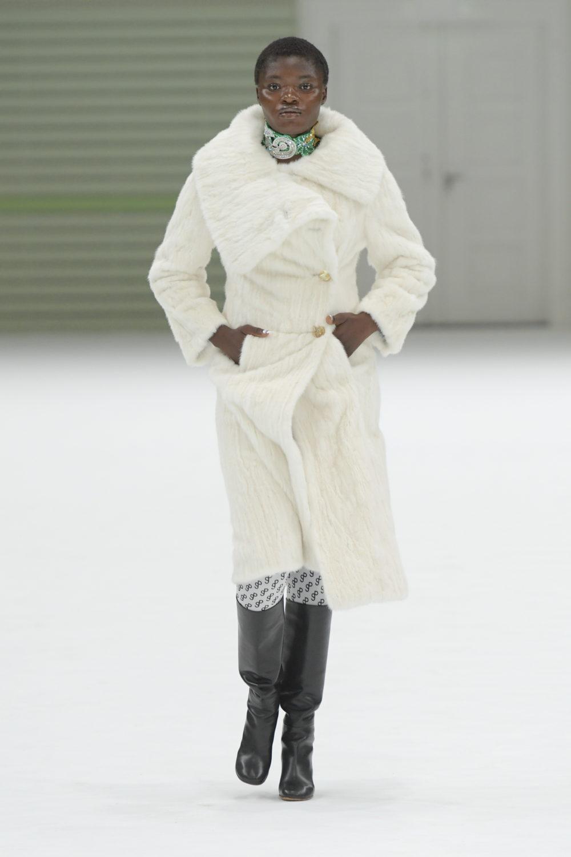 """26eabe79b83 Designforskeren: """"Hvis du køber noget værdifuldt, passer du på det"""" -  Fashion Forum"""