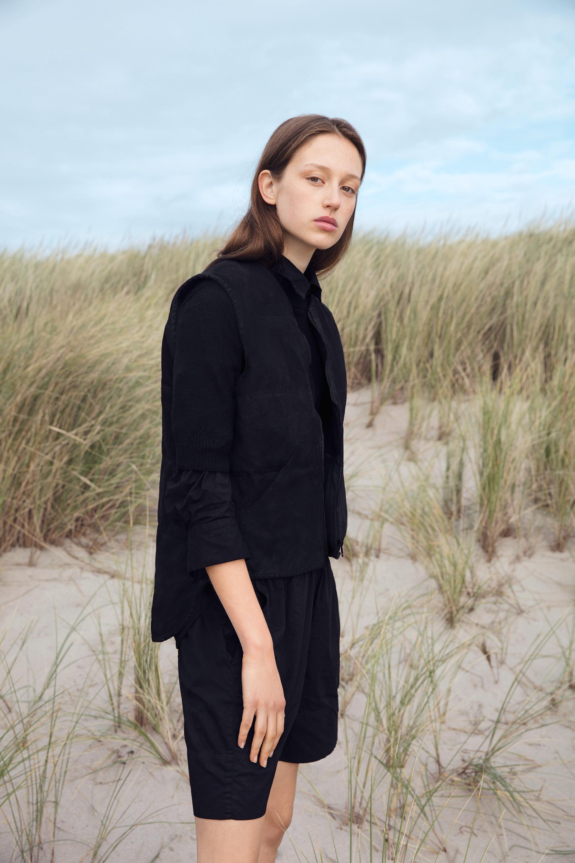 b15560c9aa1 I november sidste år kunne vi bringe nyheden om, at det bæredygtige danske  mærke Aiayu havde besluttet at udvide deres sortiment med en kollektion af  tøj ...